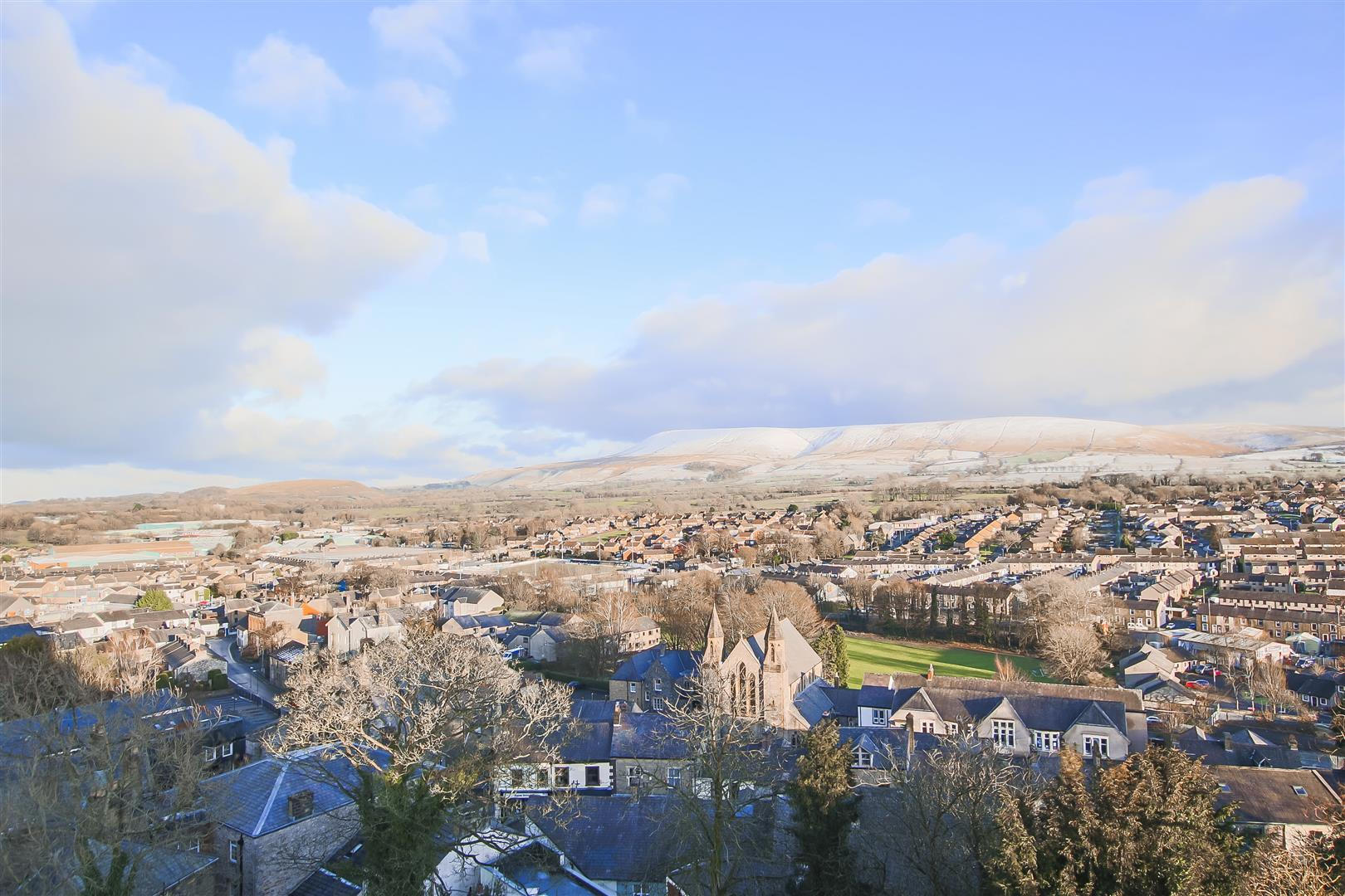 3 Bedroom Semi-detached House For Sale - Pendle Hill Views